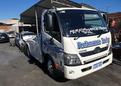 performance-towing-car-towing